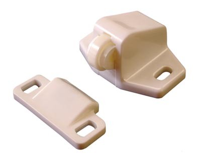 Screw on Plastic Roller Catch Supplied with catch Colour: White Material: Plastic Screw Size- 3mm Pan (Not supplied) Plastic nylon roller catches are used on lightweight doors primarily wardrobe and cabinet doors and are used extensively in the caravan and motorhome industry as a way of securing doors in transit. Doors will remain closed by pushing the nylon roller over the lip of the striker.